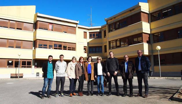 foto de La Comisión de Educación del Parlamento de Navarra ha visitado el Colegio San Miguel de Aoiz