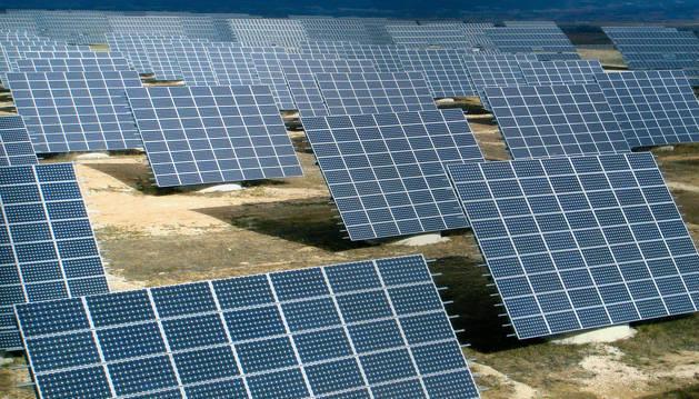 foto de Placas solares de un parque fotovoltaico.