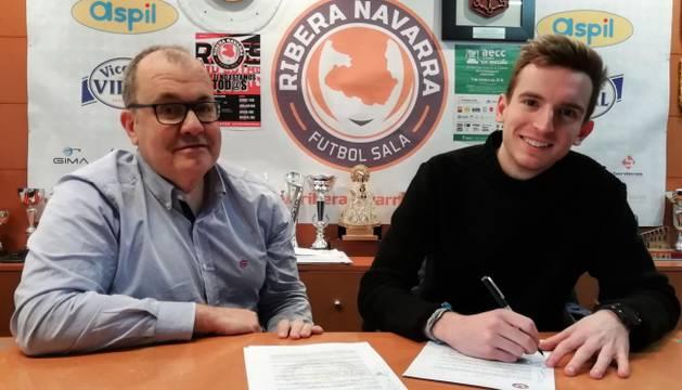 Sergio González firma su renovación.