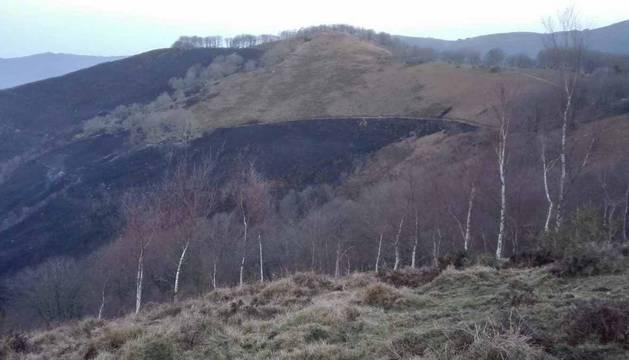 Extinguido en Goizueta el incendio intencionado que ha calcinado más de 100 ha.