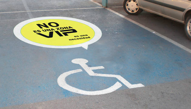 Campaña sobre el uso de plazas para discapacitados en Pamplona.