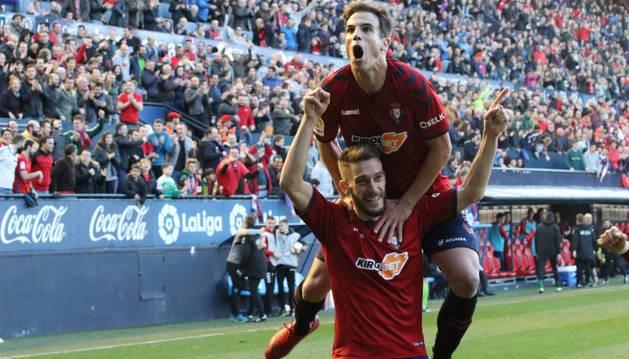 Celebración del gol de Roberto Torres.