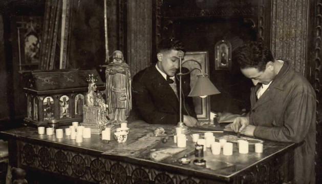 Felix Artieda, trabajando en su taller.