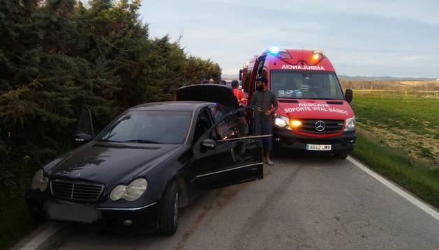 Imagen del coche en el que viajaba el conductor que quedó inconsciente.
