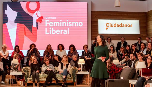 La portavoz de la Ejecutiva de Ciudadanos y líder de la oposición en Cataluña, Inés Arrimadas, interviene en el acto de presentación del decálogo de Feminismo Liberal del partido.