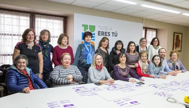 Foto de las asistentes a la presentación ayer en Tudela de los actos conmemorativos del Día Internacional de la Mujer.