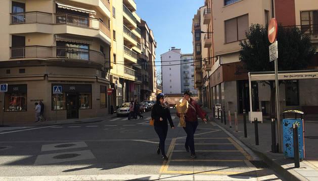 """La calle San Andrés, con las """"parrillas"""" para motos que quedarán excluidas de la limitación horaria."""