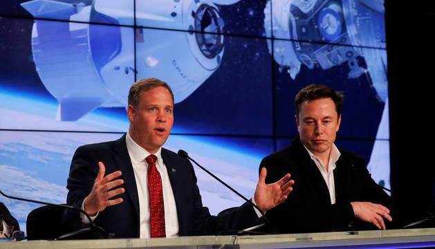 Presentación de la NASA del vuelo que llevará a los astronautas estadounidenses de nuevo al espacio.