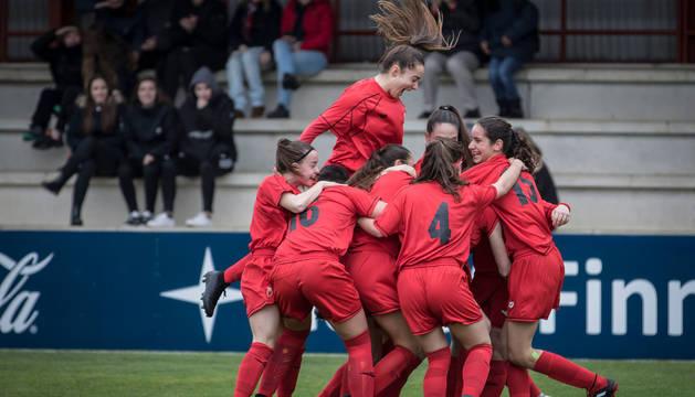 La selección Navarra sub17, tras conocer la clasificación para la final.