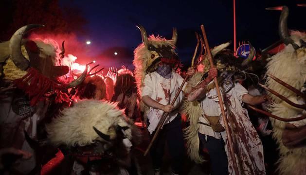 Las fotografías del Carnaval de Alsasua de este martes.