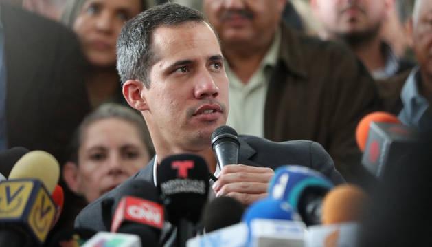 Guaidó anuncia un paro escalonado en la administración pública