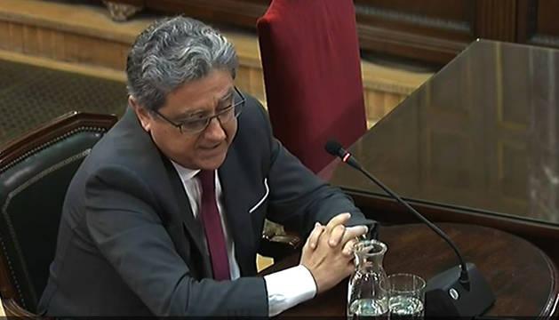El exdelegado del Gobierno, Enric Millo, durante su declaración como testigo en la decimoprimera jornada del juicio del procés en el Tribunal Supremo.