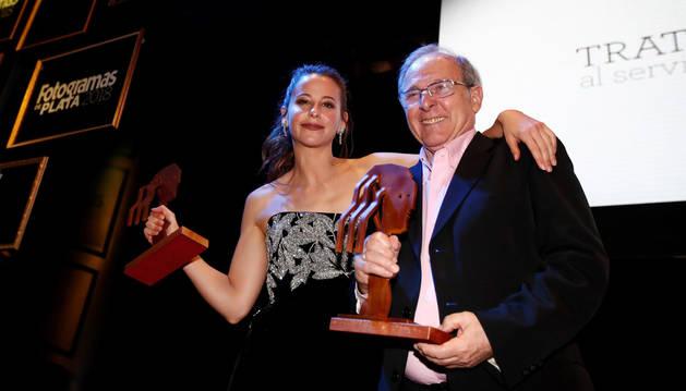 Emilio Gutiérrez Caba y su sobrina nieta, Irene Escolar, premiados en los Fotogramas de Plata.