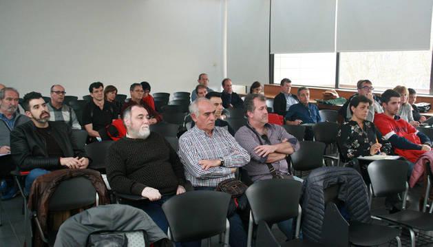 Representantes de distintas agrupaciones electorales locales afectadas por sus gastos en 2015 analizaron la situación esta misma semana.