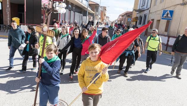 Los peregrinos de Ribaforada, en el momento de su salida desde la localidad ribera con el fin de completar la Javierada.