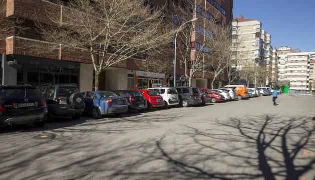 Policía Municipal de Pamplona acudió a las 5 de la mañana a un piso de la calle Iturrama donde 19 jóvenes estaban de fiesta el pasado 14 de febrero.