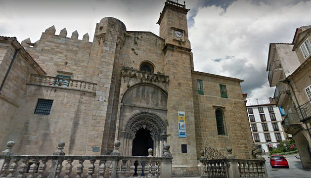 Exterior de la catedral de Ourense.
