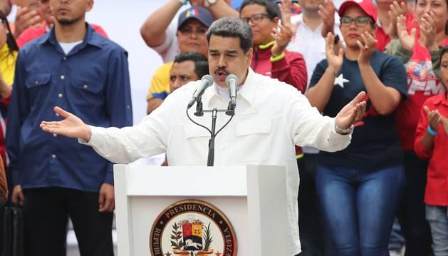 Foto del presidente de Venezuela, Nicolás Maduro (c), ofrece el discurso de cierre de la marcha oficialista contra el imperialismo.