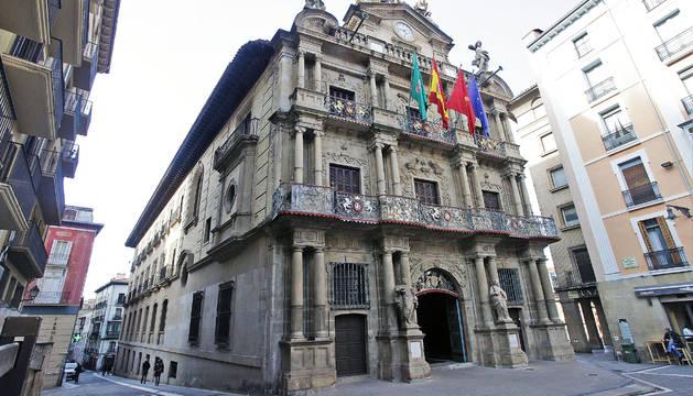 El Defensor del Pueblo hace responsable al alcalde de Pamplona, como máxima autoridad del consistorio.