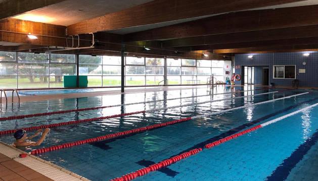 Interior de las piscinas cubiertas de Lodosa, unas instalaciones que datan de 2004.