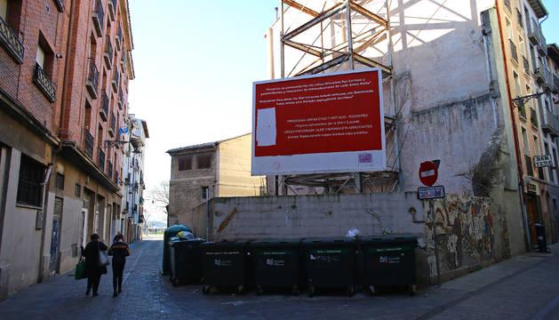 Aspecto actual que presenta el solar de propiedad municipal de la calle Santo Andía.