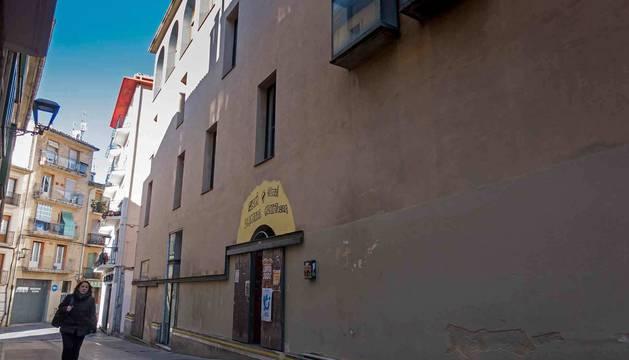 Entrada al gaztetxe en el edificio del Casco Antiguo ocupado desde el verano para este uso.