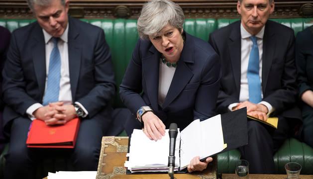 La Primera Ministra Theresa May habla en el Parlamento este miércoles.