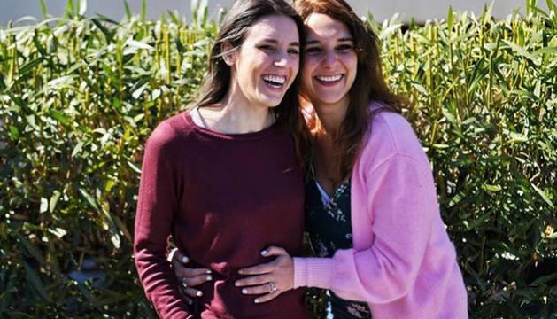 Irene Montero y su compañera de Podemos Noelia Vera.