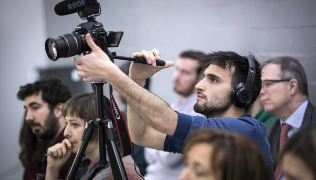 Foto de David García, editor de vídeo y fotografía en diariodenavarra.es, durante el foro DN en Vivo del miércoles.