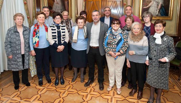 foto de Representantes de la Asociación Santa María la Real