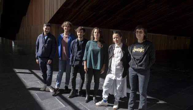 Desde la izquierda, Jorge Jácome, Francisco Rodríguez, Eduardo Williams, Malena Szlam, Beatrice Gibson y Deborah Stratman.