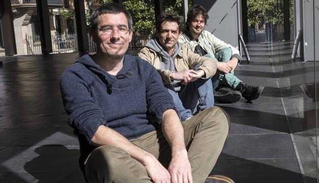 De izda. a dcha.: Pello Gutiérrez, Iñaki Sagastume y David Aguilar, el colectivo Zazpi T'erdi.