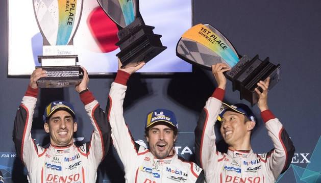 foto de Sébastien Buemi, Fernando Alonso y Kazuki Nakajima ganan las 1000 Millas de Sebring