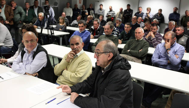 Los regantes de la Ribera lo han dicho por activa y por pasiva: no hay otra alternativa a Itoiz- Canal de Navarra que  garantice el desarrollo de la Ribera, no quieren que se reste ni una sola de las 21.500 hectáreas proyectas en su día  y quieren que se lleve todo el agua de una sola vez. Para ello han firmado tres manifiestos en esta legislatura: en diciembre de 2016, en junio de 2017 y en febrero de 2019.