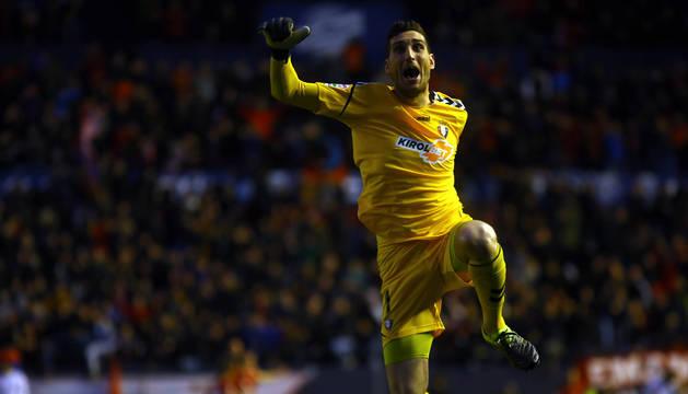 Sergio Herrera celebró de esta manera uno de los goles.
