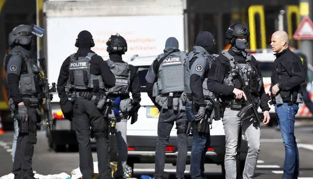 Varios heridos en un tiroteo contra un tranvía en Utrecht (Holanda)