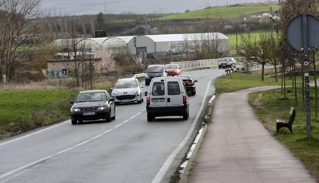 Peatones del vial entre Cizur y la UN critican la falta de seguridad