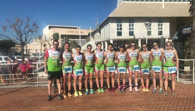 Equipo femenino del Saltoki-Diquesí, que compitió en Punta Umbría.