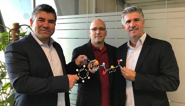 foto de Juan Camacho, Rodolfo Rodríguez y Julio Castro  socios promotores de Medibiofarma