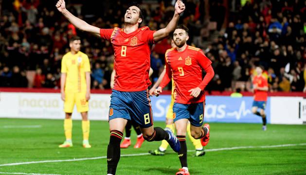 Mikel Merino celebra el único gol del partido.