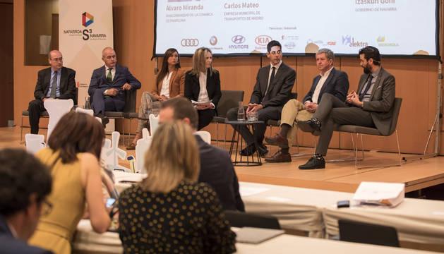 De izda. a dcha., José Luis Avendaño, Carlos Bergera, Cristina García de Lago, Izaskun Goñi, David Solé, Álvaro Miranda y Carlos Mateo.