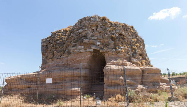 Vista de la torre del antiguo castillo de Ablitas, que va a ser restaurada.
