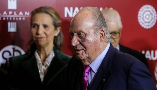 Foto del Rey Juan Carlos I asiste a la gala de presentación de los carteles de la Feria de San Isidro en la plaza de toros de Las Ventas.