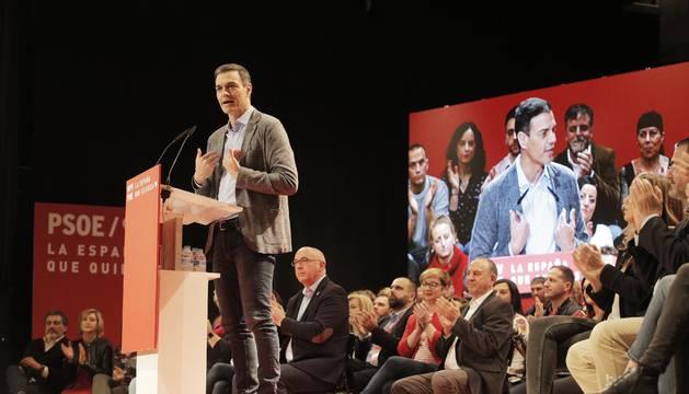 Foto del presidente del Gobierno, Pedro Sánchez, interviene en un acto del PSOE en Alicante (Comunidad Valenciana).