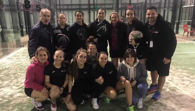Navarra Pádel Máster Club, campeón en categoría femenina.