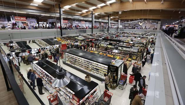 La mayoría de los clientes aprovecha las mañanas de los fines de semana para acercarse a las ventas.