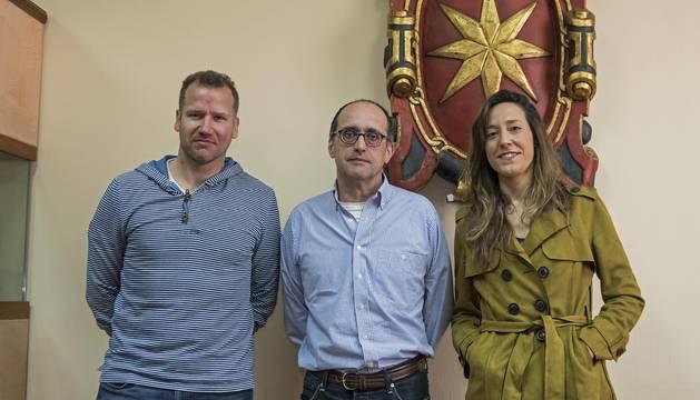 Íñigo Pascual, Tito Martínez De Carlos y Marta Astiz, los tres primeros de la lista de Ahora-Orain.