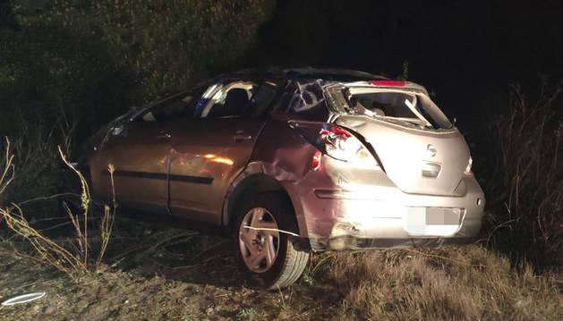 Estado en el que quedó el automóvil tras sufrir el accidente en la AP-15.