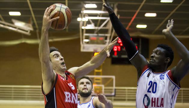 Iñaki Narros fue el máximo anotador del Basket Navarra, con 20 tantos.