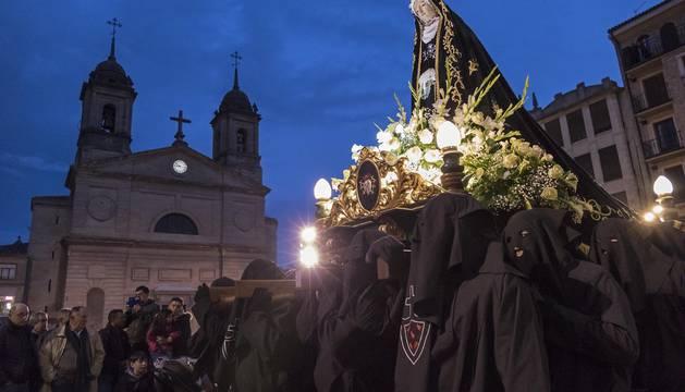Imagen de La Dolorosa durante la procesión del Santo Entierro, el Viernes Santo del año pasado.